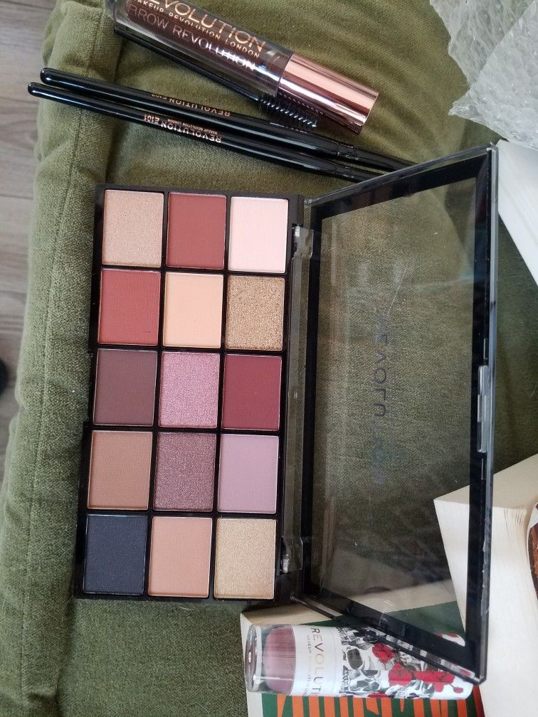 Velvet Rose eye shadow palette And Brow Gel Eyeshadow