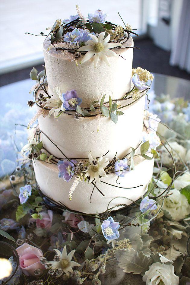 Regina Cakes Naomi Rose Floral Design Wedding cake