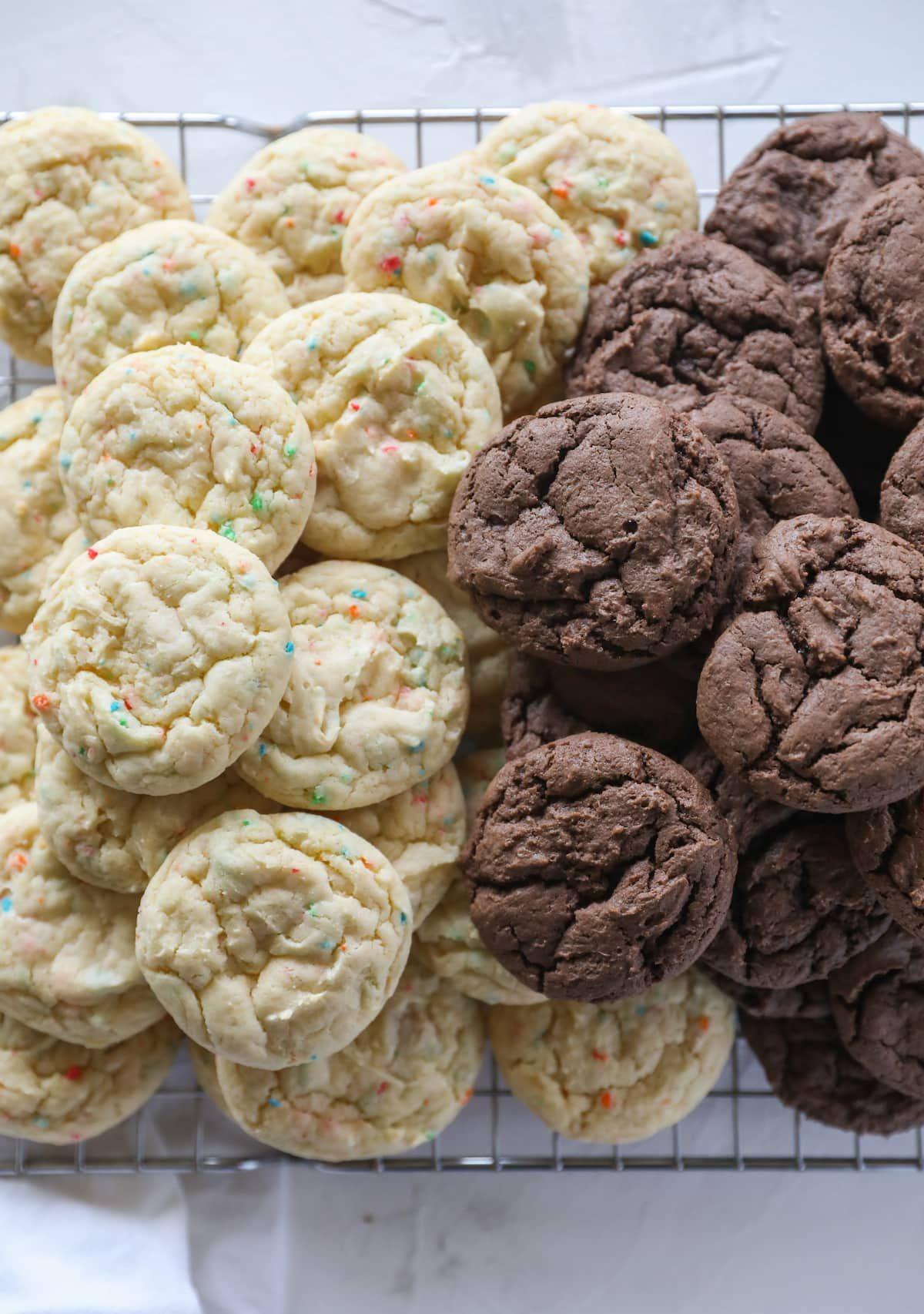 Cake Mix Cookies Easiest Recipe Lauren S Latest In 2020 Cake Mix Cookies Best Chocolate Desserts Easy Cookies