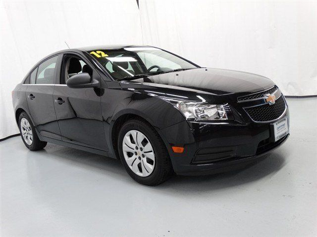 2012 Chevrolet Cruze Vehicle Photo In Glenview Il 60025 Chevy