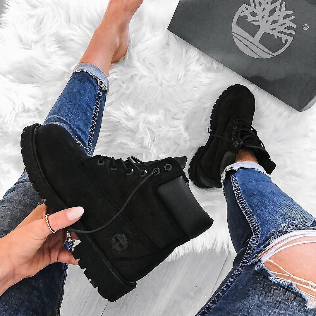 Black timberland outfits