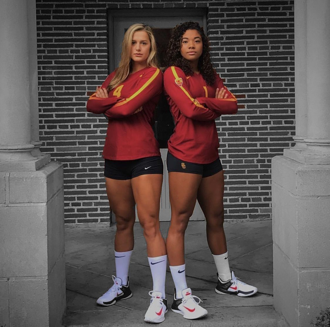 Victoria Garrick And Alyse Ford Fighton In 2020 Volleyball Poses Volleyball Pictures Volleyball Workouts