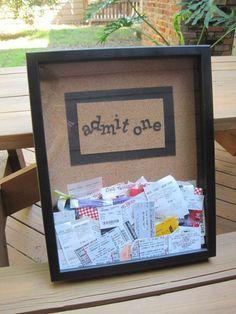 Caixa de mensagens, seus amigos colocam frases, ditos, recados, o que desejam, e deixa para você.