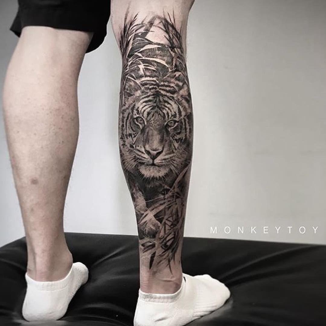Photo By Petterlium On Instagram Melbournetattooist Tigertattoo Tiger Legtattoo Legsleeve Melbournetattoo Melb Tatouage Tatouage Tigre Tatouage Lion