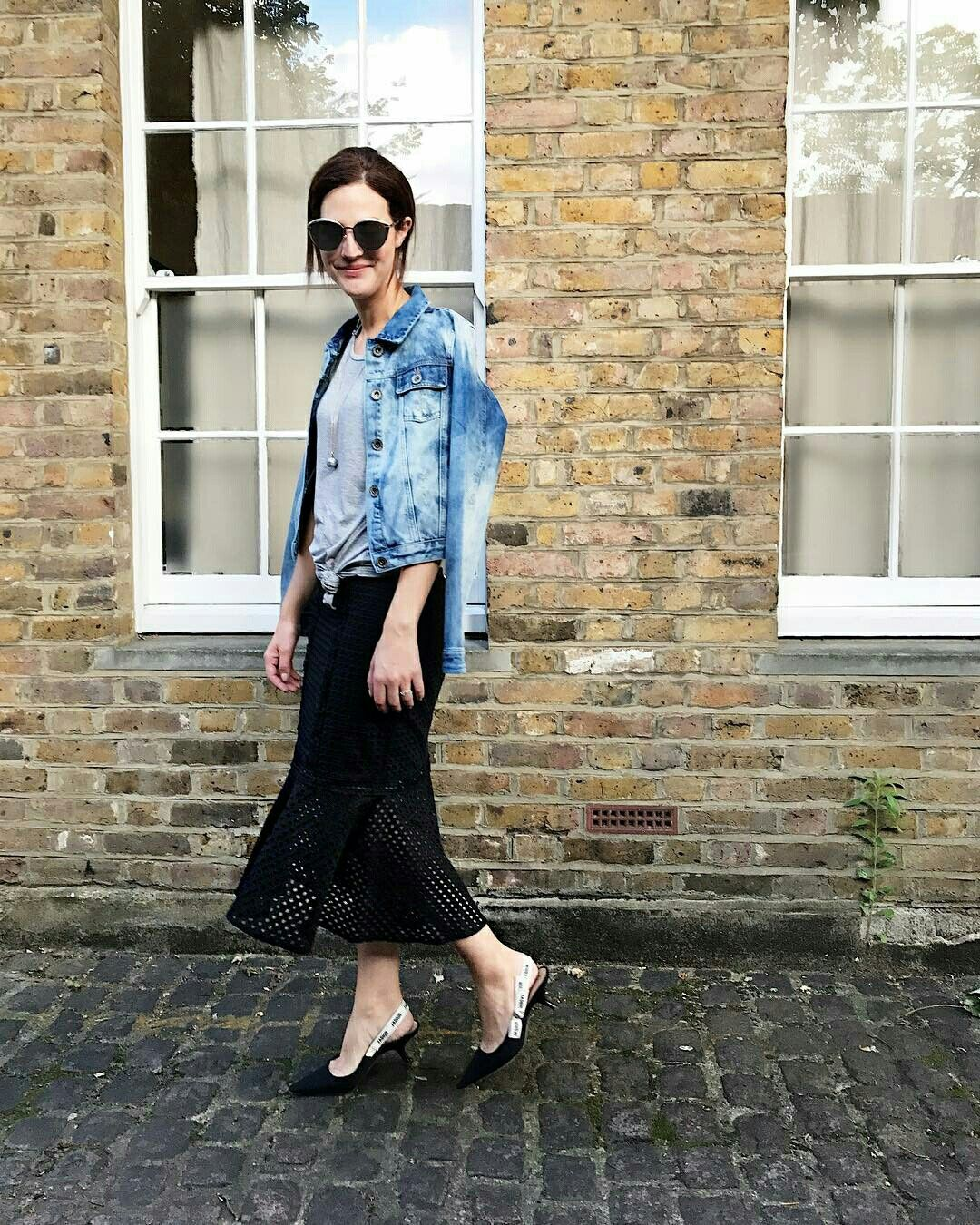 Saia com transparência e jaqueta jeans @vicceridono