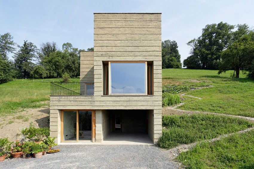 Rammed Earth House / Boltshauser Architekten - earth bermed