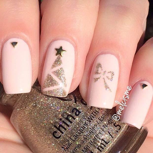 Elegant Christmas Nail Art: Simple And Elegant Nail Design For Christmas #holidays