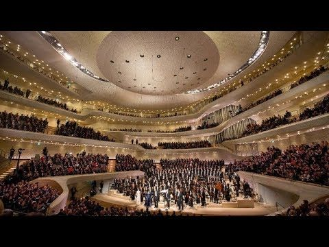Jovano Jovanke In Der Elbphilharmonie Hamburg Mit Martin Grubinger Makedonien Mk Konzerthalle Konzert Hamburg