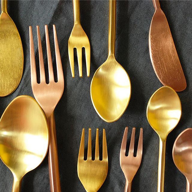 Serve up in style with Quantumby's metallic cutlery sets!