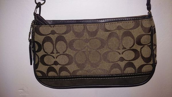 Bag coach. New in Rialto, CA (sells for $20)