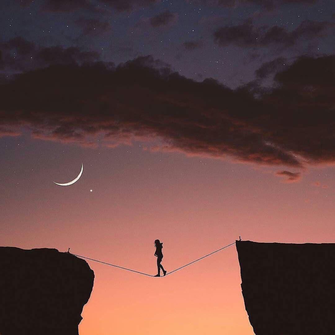 ما أجمل الحياة عندما تعيش لأجل حلم حتى لو كان صعبا وما أصعب الحياة عندما نعيشها بلا حلم عبلة درويش حكم صور Sunset Celestial Moon