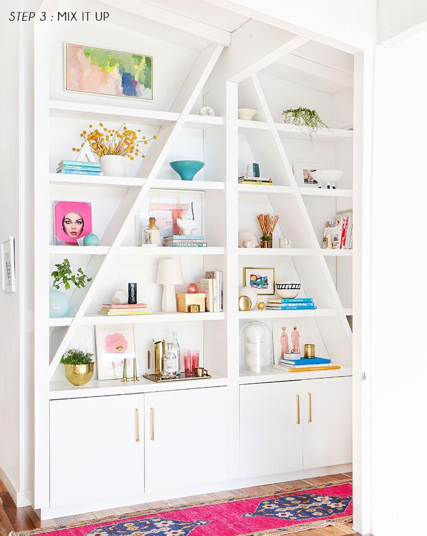 Emily Henderson Pink Shelf Styling Step 3 Biblioteca Pinterest  # Muebles Henderson