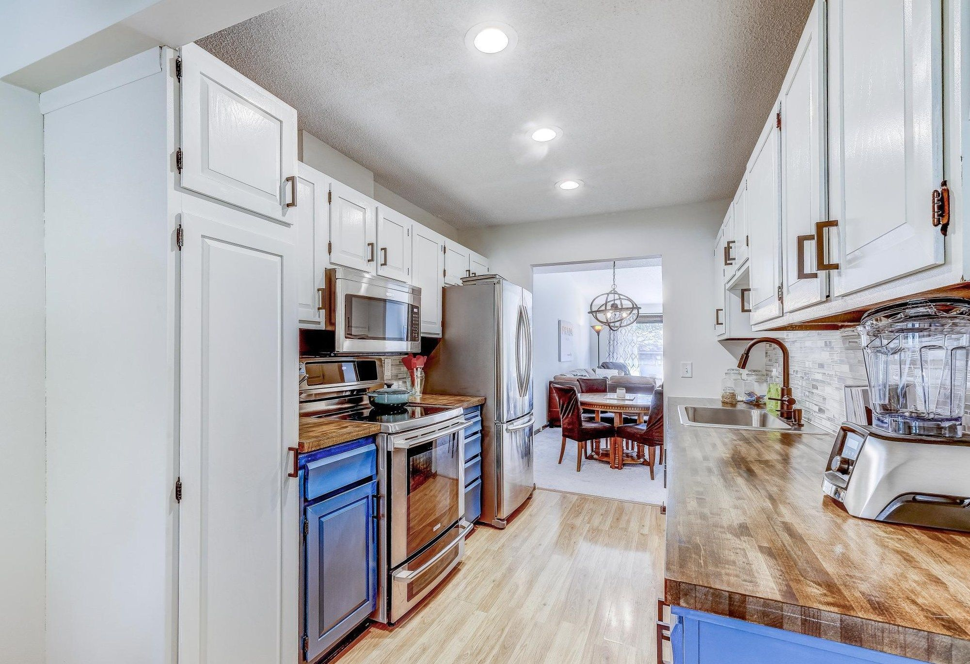 10271 Scarborough Rd Bloomington Mn 55437 Mls 5669471 Coldwell Banker Informal Dining Rooms Scarborough New Homes