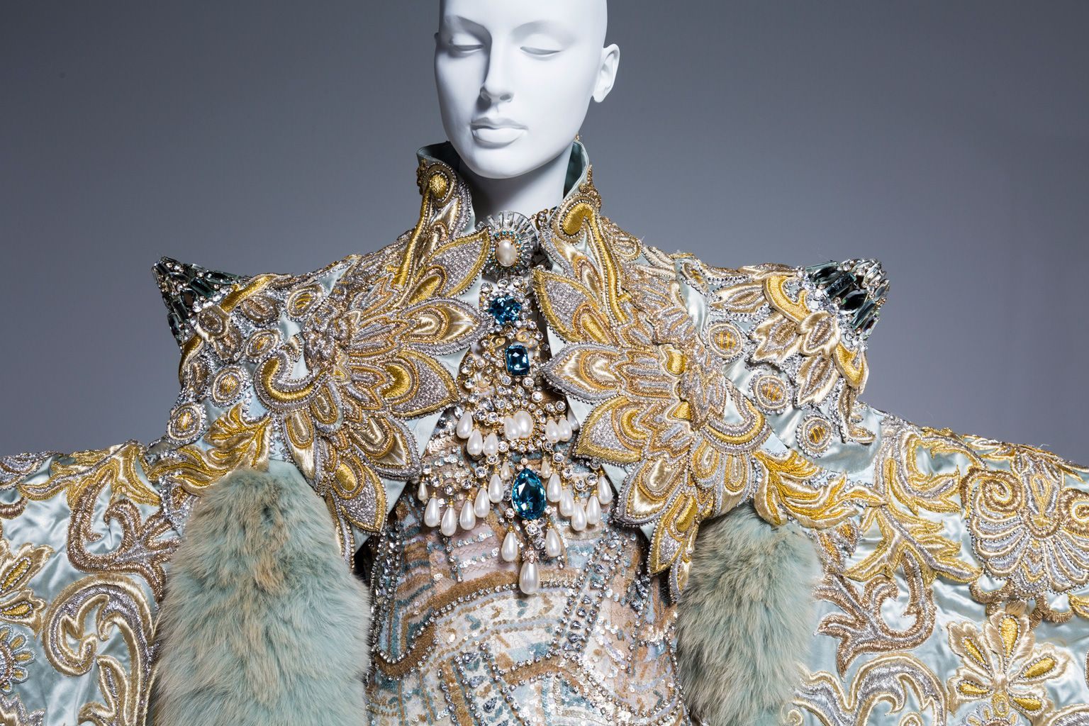 Scad Fashion Show 2020.Guo Pei S Stunning Gowns Go On Display In Her First U S