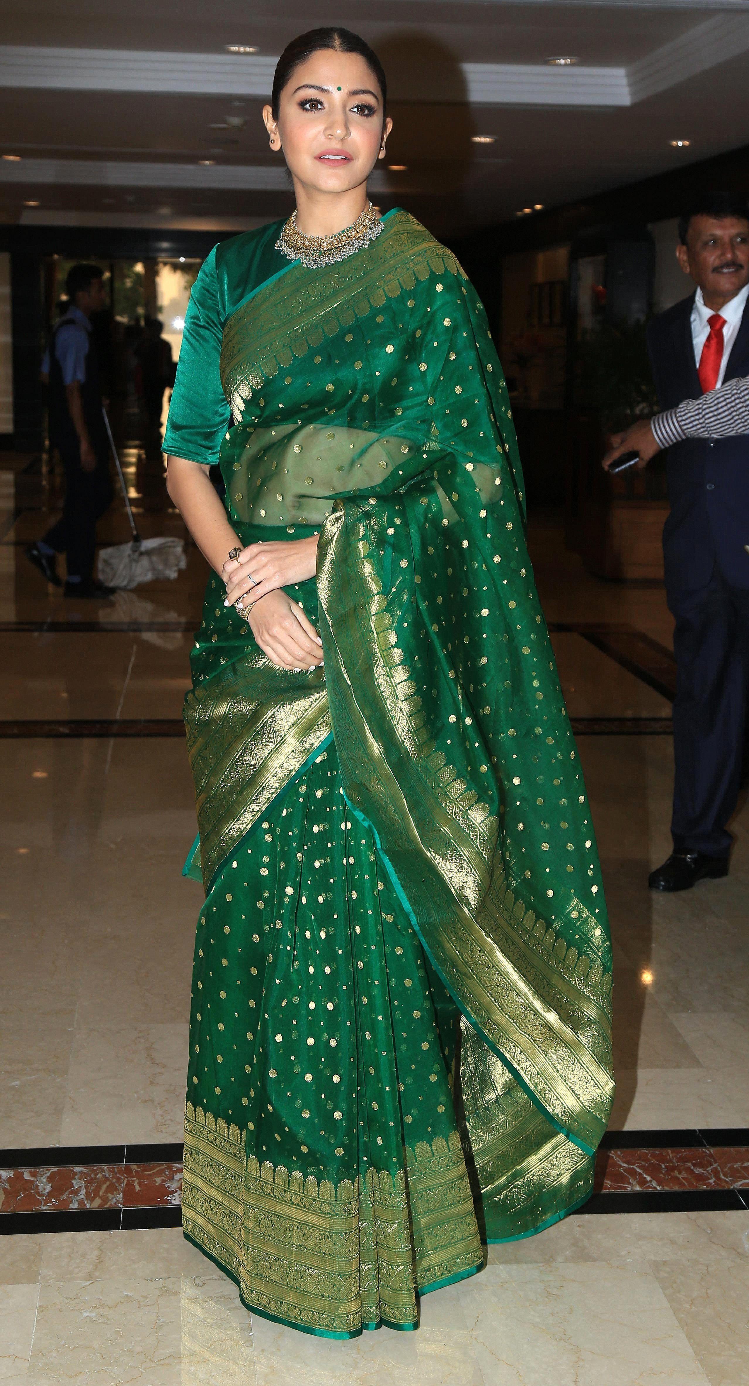7d15f8c96 Anushka Sharma Photos At Priyadarshani Awards (1)