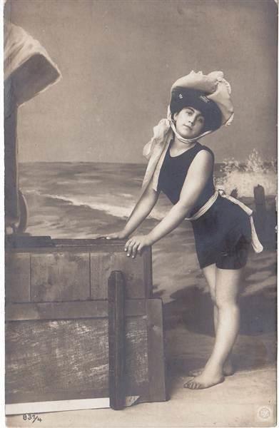 Vintage Bathing Suit Photo - Cute Lady! - The Graphics Fairy