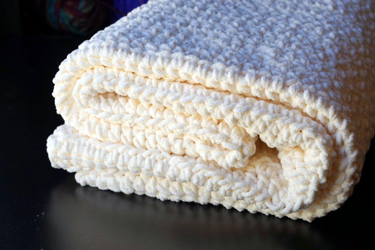 Cream Bernat Blanket
