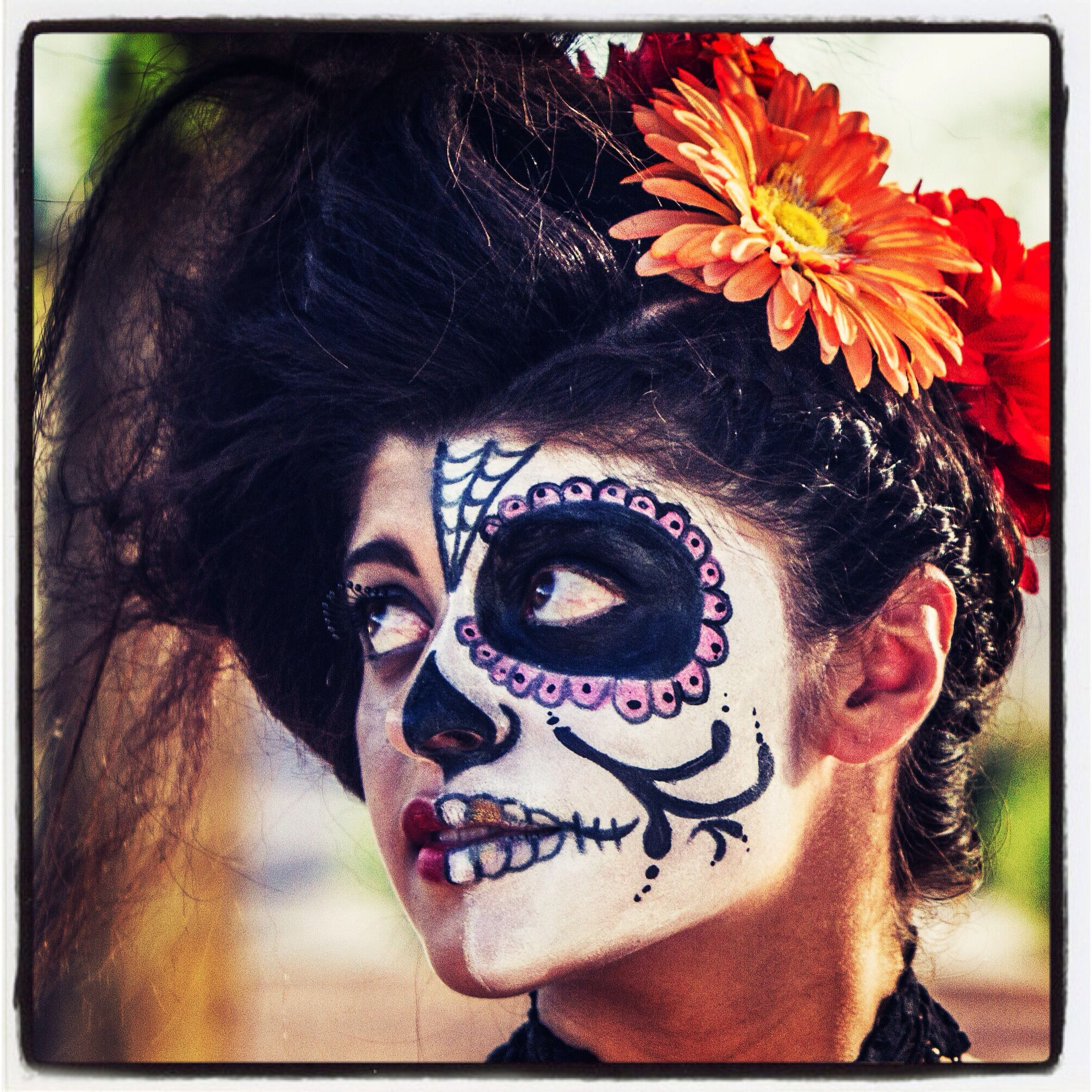 Dia De Los Muertos Vs Dia De Los Vivos Oribe Hair Care Halloween Face Makeup Face Makeup Halloween Face