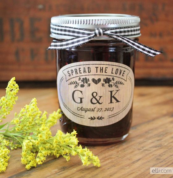 spread the love jam favors with printable label perfect for rustic wedding theme