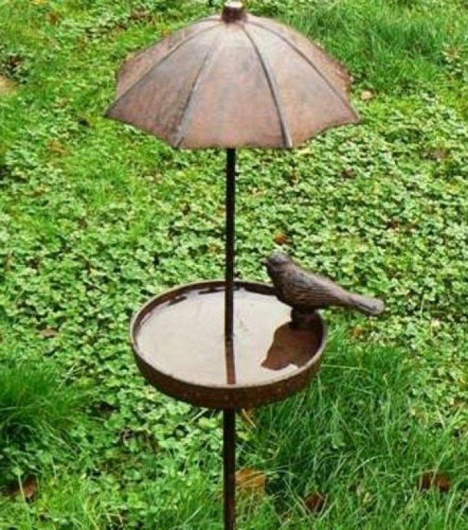 bain d 39 oiseau parapluie decoration pinterest parapluies oiseaux et abreuvoir. Black Bedroom Furniture Sets. Home Design Ideas