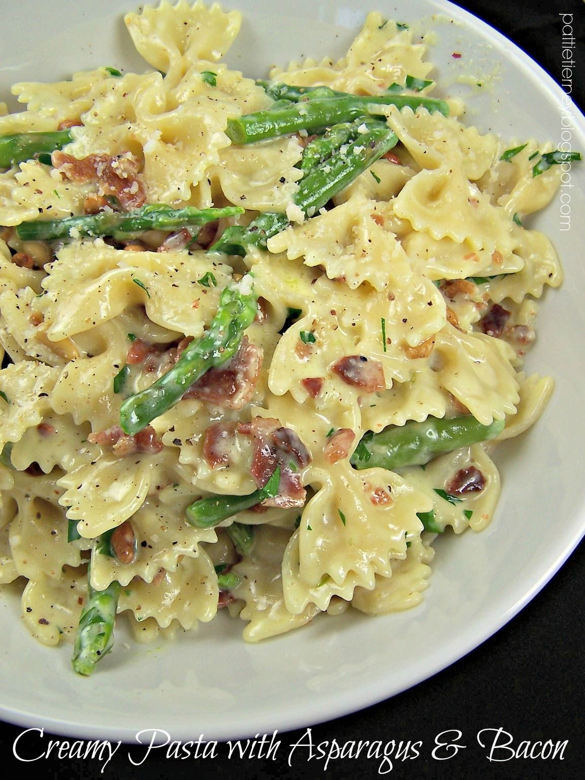 Creamy Pasta with Asparagus & Bacon