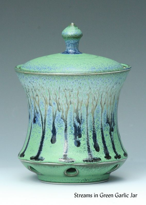 Ridgetop Pottery Garlic jar-would like a big cookie jar/canister like this!