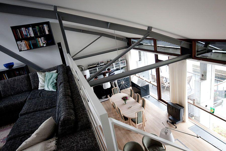 Loft overlooking dining/living areas