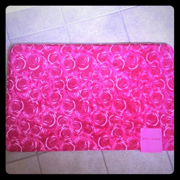 Betsey Johnson Memory Foam Bath Rugs Mat Pink Rose Nwt With