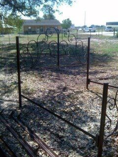 King size complete iron bed with scrolls for an by SHABBYJUNQUE, $500.00