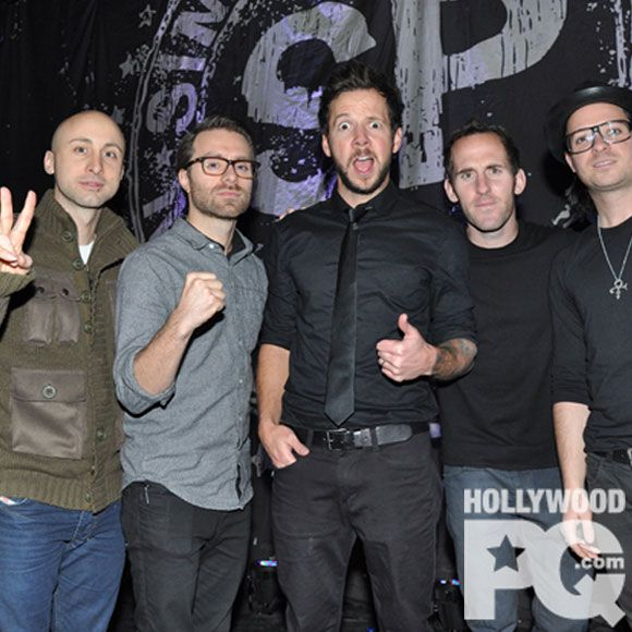 simple plan sera au centre bell en novembre pour la tourne taking one for the team - Simple Plan Christmas Song