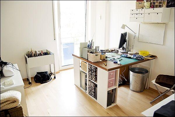 arbeitszimmer tisch interieur design pinterest arbeitszimmer n hzimmer und tisch. Black Bedroom Furniture Sets. Home Design Ideas