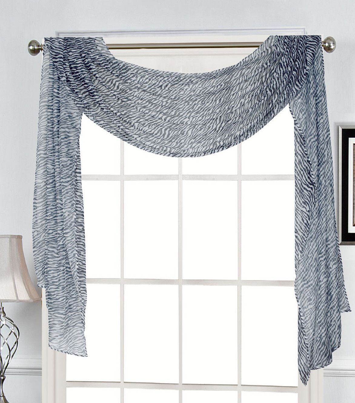 Features Drapes Over The Curtain Rod Machine Washable