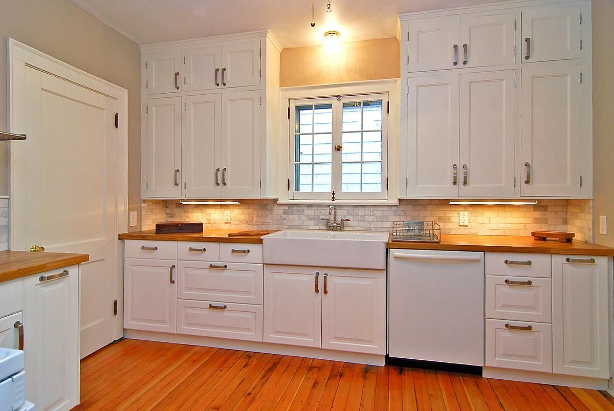 Restoring an old kitchen in a 1925 home lance fraser - Kitchen cabinets with handles ...