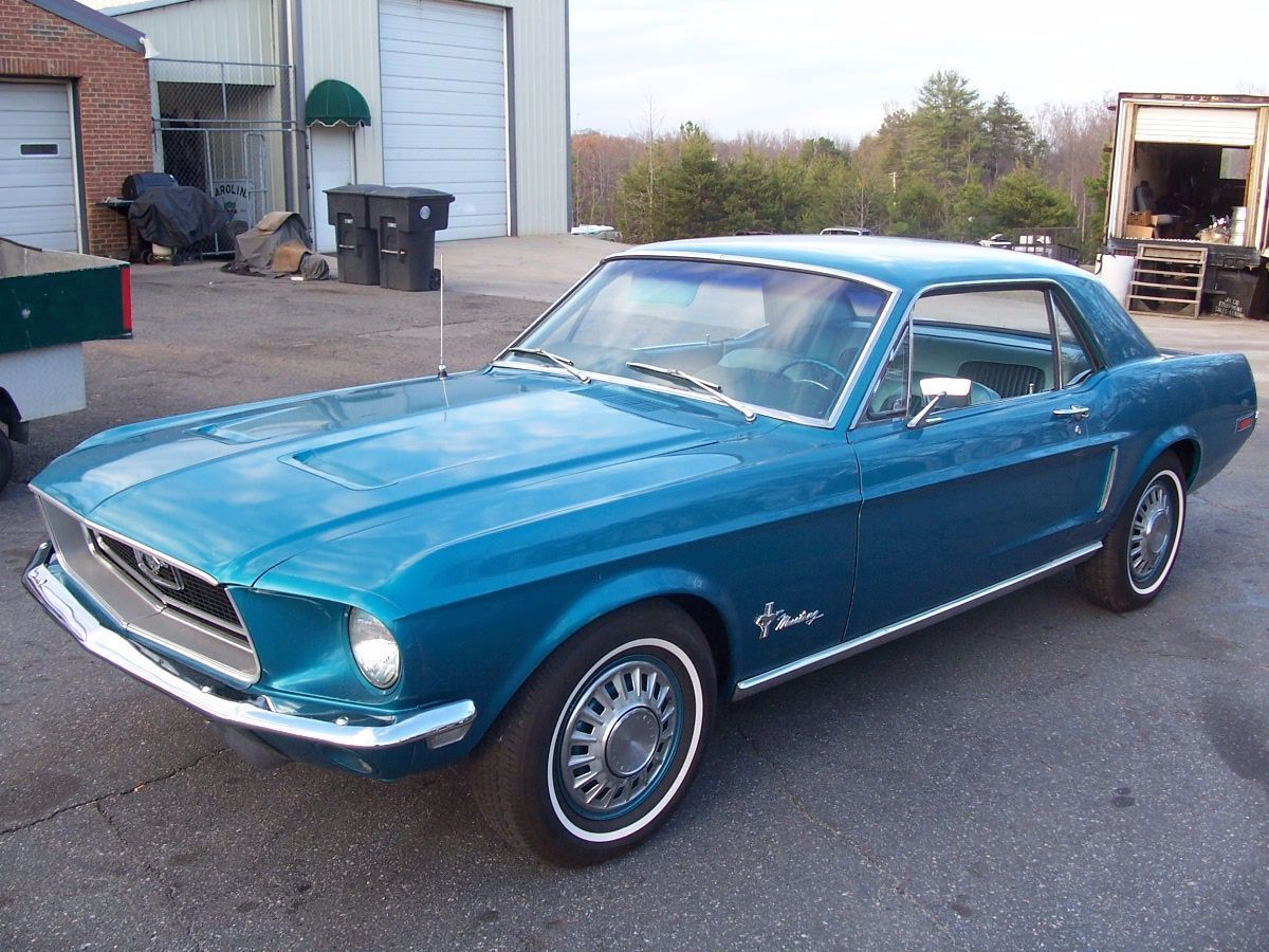 1968 Mustang Coupe Mine Had A Black Vinyl Top Otherwise This Is Identical In 2020 Mustang Coupe Mustang Girl 1968 Mustang