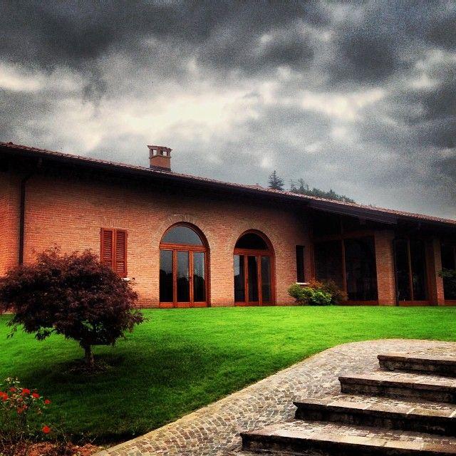 """@Ronco Calino Franciacorta's photo: """"Il tempo non è dei migliori, ma noi di Ronco Calino non ci scoraggiamo, siamo pronti! Vi aspettiamo stasera a #ladispensapanievini e domani al #FestivalFranciacorta in cantina. Are you ready? #roncocalino #franciacorta #vino #wine #winery #cellar #winetasting #lovewine #winelovers #italy #italia #instapic #instagood #instawine #instalove #popularpic #picoftheday #photooftheday #weather #bad #ready #clouds #igers #tagstagram #tag #follow"""""""