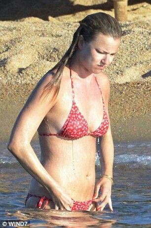 Bikini emily vancamp Emily VanCamp