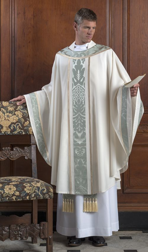 Pin by Craig Koppa on Chasubles | Priest outfit, Ecclesiastical vestments,  Vestment