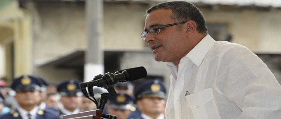 Funes critica a ARENA y a magistrados en inauguración de año agrícola