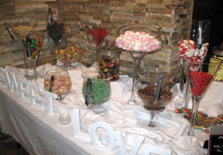 Dyi candy bar for your wedding reception midnight snack wedding images candy bars in wedding solutioingenieria Image collections