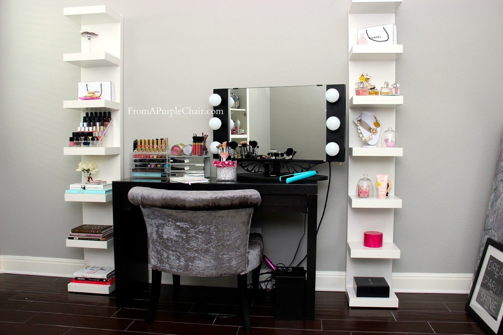 These shelfs look great! Vanity table set, Beauty room