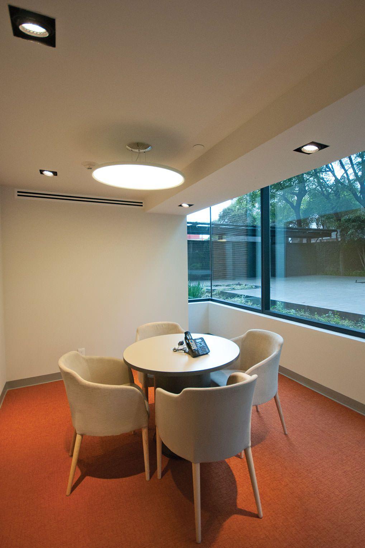 Hir casa dise o de interiores de oficinas interior for Interiores de casas clasicas