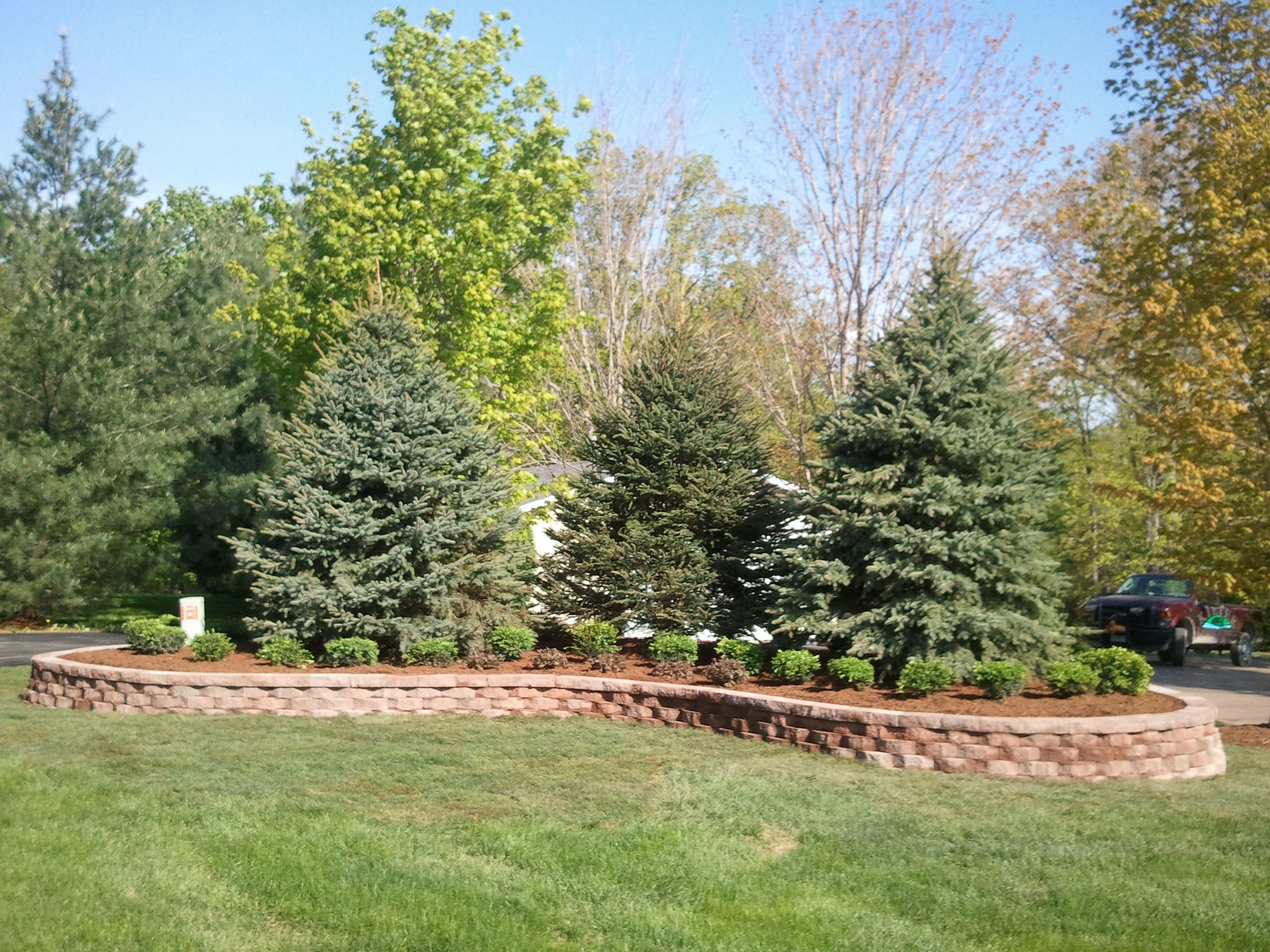 Pictures of berms in landscapes landscape berm 2011 for Garden privacy ideas