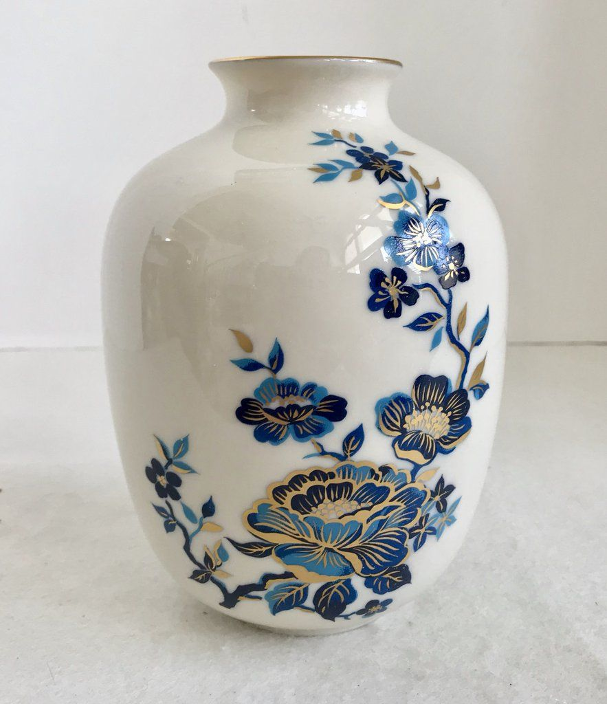 Lenox White Porcelain Pagoda Blue Floral Medium Vase With 24k Gold Trim White Porcelain Black Vase Gold Trim