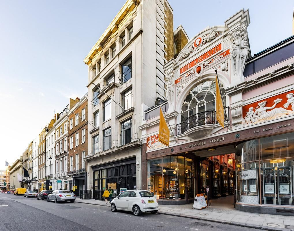 Albemarle Street Mayfair Things To See In London Picadilly Circus The Palm Beach Casino Berkele European Vacation Europe Train Travel Europe Destinations