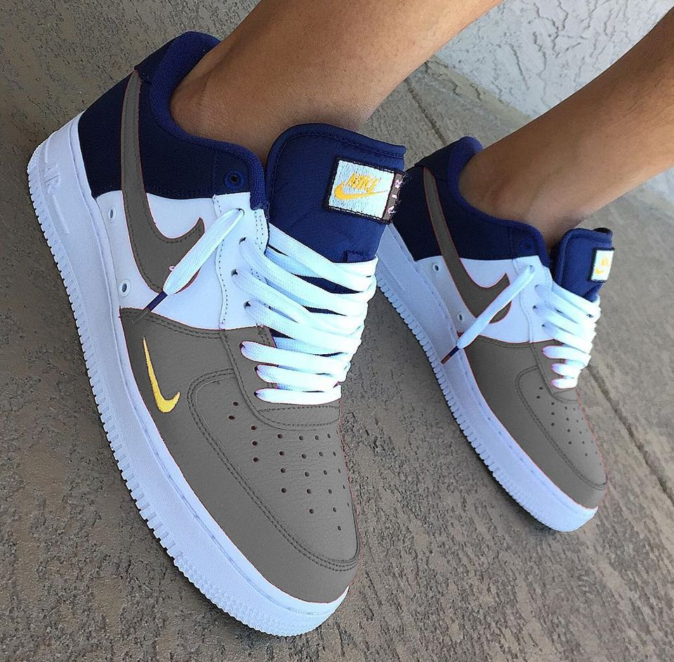 Not A Nike Girl But This Color Combo Is Smokin Sneakers Fashion Fresh Shoes Sneakers