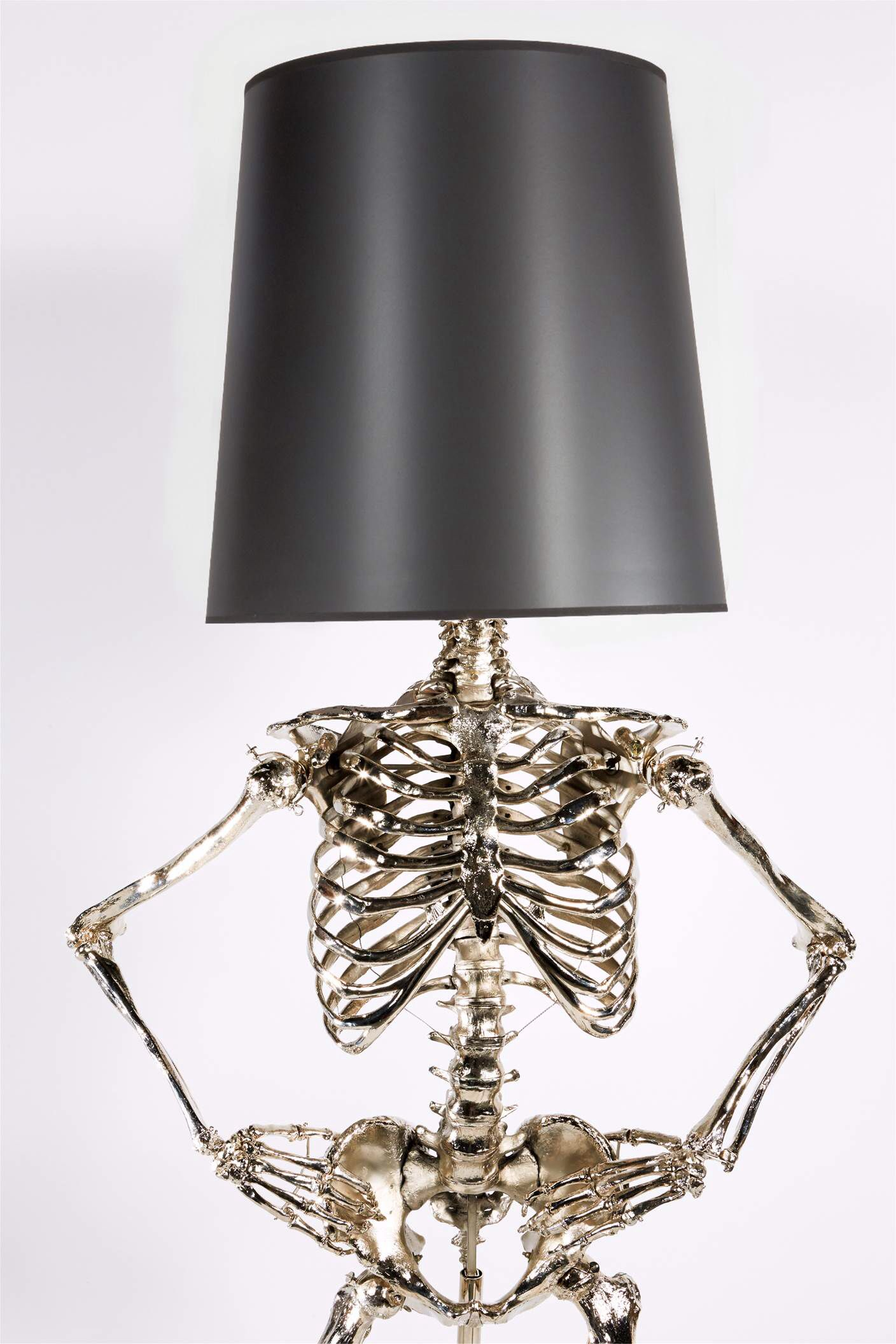 Creatively Spooky Pair It With Equally Attractive Wall Decor From Inkshuffle To Level Up Your Home S Interior Design Choo Funky Home Decor Skeleton Lamp Lamp