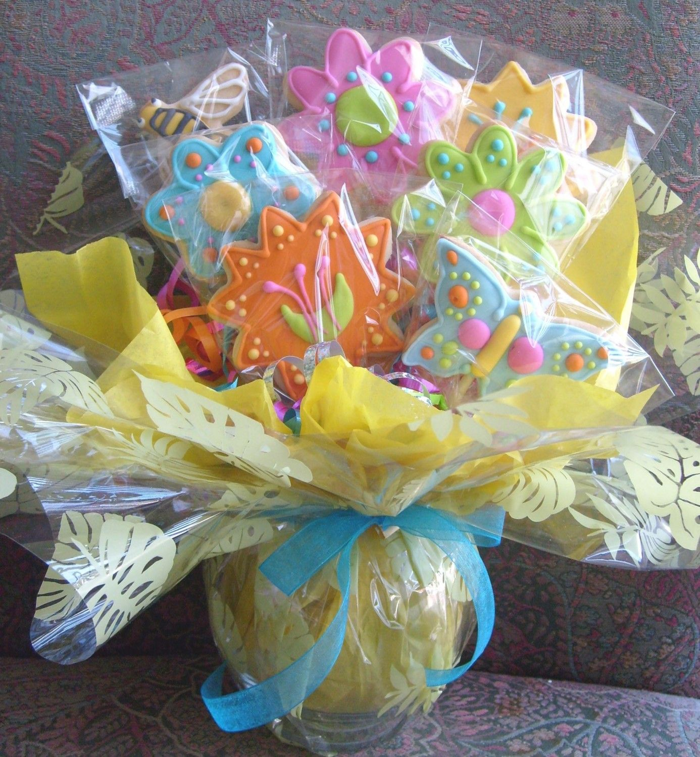Spring flower cookie bouquet decorated cookies