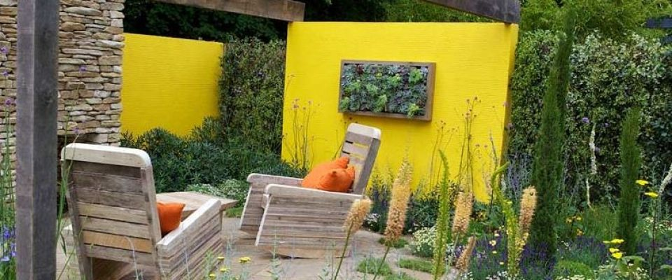 peindre un mur de jardin inspiration en couleurs jardins color s yellow accent walls. Black Bedroom Furniture Sets. Home Design Ideas