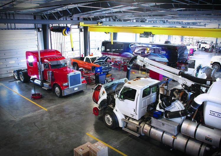 Heavy Truck Repair Shop Software Truck Repair Trucks Auto Repair Shop