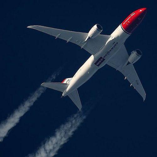 Norwegian Boeing 787 Overhead. By instagr.am/fan_aviation #avgeek | by Runway8L